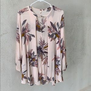 3/$20 {Free People}Sz S Floral Tunic